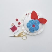Round pincushion, flower pincushion