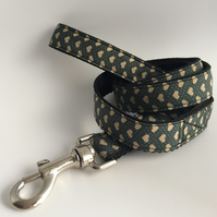 Hearts on grey dog lead