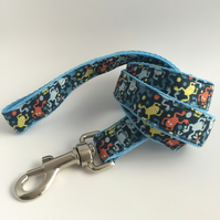 blue frogs dog lead