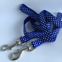 blue and white spotty dog lead
