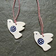 2 Lovebirds blue,white,porcelain,xmas,wedding decorations,The Jewellery Boat
