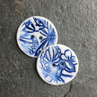 Porcelain buttons, round, blue and white floral butterfly size: 36mm Quantity:2