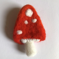 Needle Felted Toadstool Mushroom Fungi brooch badge pin handmade autumnal