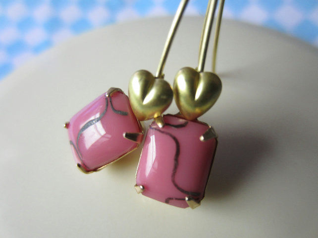 Retro 1950s candy pink glass sweetheart earrings