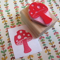 Spotty Toadstool - Hand carved rubber stamp by skullandcrossbuns