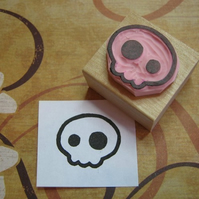 Medium Quirky Skull - hand carved rubber stamp