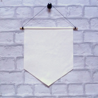 DIY felt BANNER flag for you to decorate : Natural