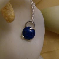 Lapis lazuli and sterling silver 3 claw necklace