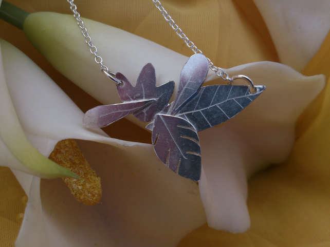 Leaf scene sterling silver necklace