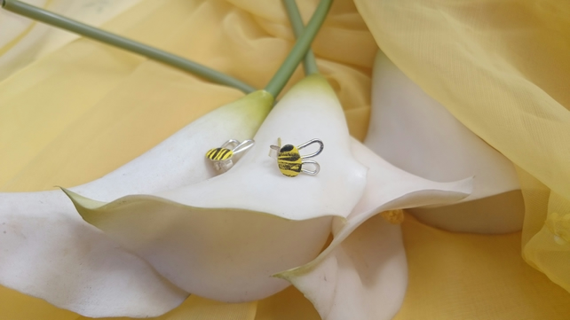 Bee enamelled earrings