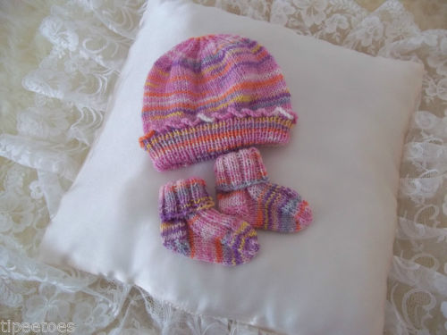 Hand Knitted Baby Girls Socks and Hat Set 0-6 Months