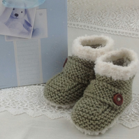 Baby Booties - Handmade  Knitted  Bootees Boys or Girls Snugs  3-6 Months