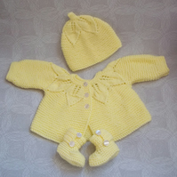 Baby Girls Cardigan Set - Handmade - Knitted Jacket, Hat & Crochet  Booties