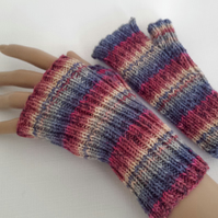 Ladies Fingerless Gloves - Mittens - Hand Knitted - Wool Handwarmers