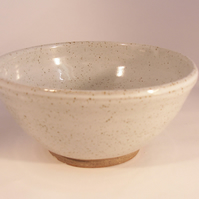 Made to order. A set of 8 breakfast bowls, glazed in speckled white.
