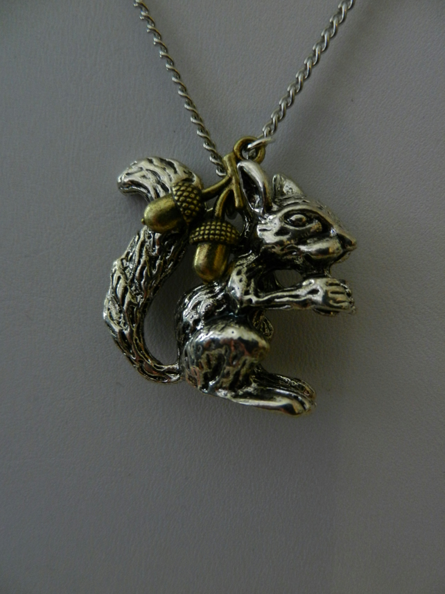 SILVER BUSHY-TAILED SQUIRREL CHARM NECKLACE AUTUMN WOODLAND