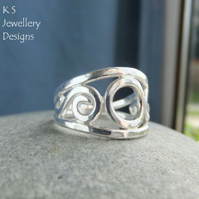 Circle and Swirls Fine Silver Ring - Handmade Metalwork Wirework - UK size M 1-2