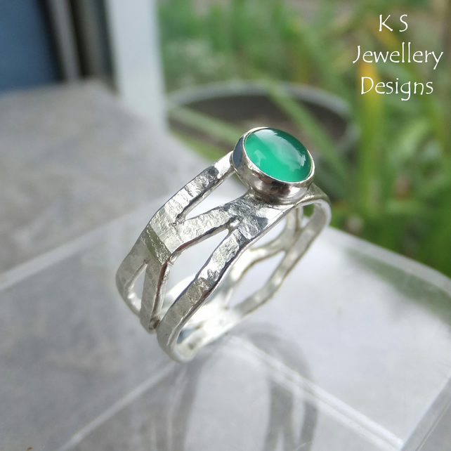 Green Agate Bark Textured Fine Silver Wavy Ring - Handmade Gemstone Metalwork
