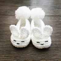 Cute handmade crochet easter bunny rabbit baby shoes booties white pompom 0-3 m