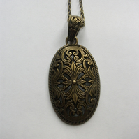 Bronze Vintage Floral Long  Pendant Necklace.