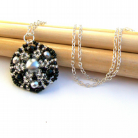 'Starflower' necklace - Black