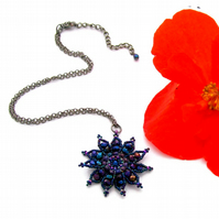 Gazania Flower Necklace - Metallic Blue