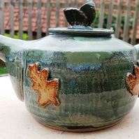 Oak leaf teapot