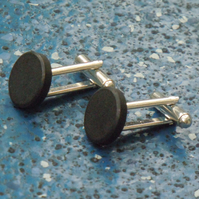 Magnetic cufflinks