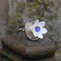 Little white flower ring