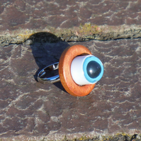 Eye-popping ring