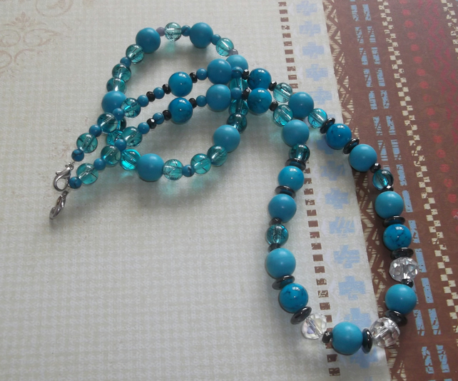 Turquoise and crystal necklace with bracelet
