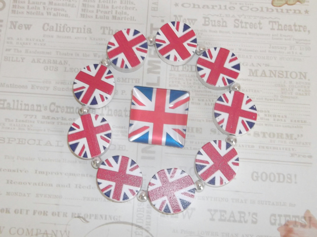 Union Jack Pin with a British flag silver bracelet gift set