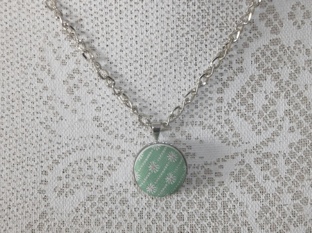 Button green pendant