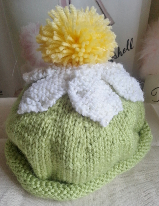 263c69ddfb5 Hand Knitted Baby Daisy Hat 3 to 6 Months - Folksy