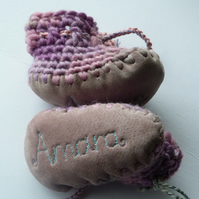 Personalised baby boots -Lilac Rose - sizes 1-3