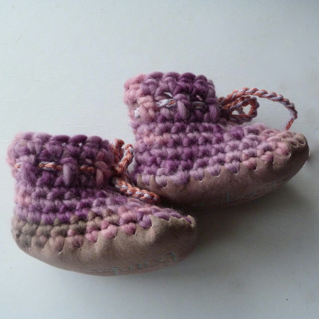 Baby boots - Lilac Rose- 3-6 months - newborn baby gift