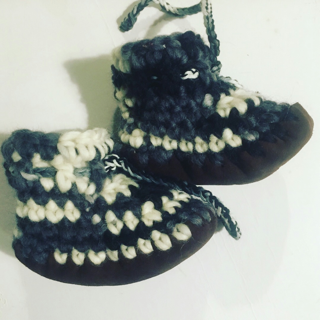 Wool & leather baby boots - black and white- 6-12 months