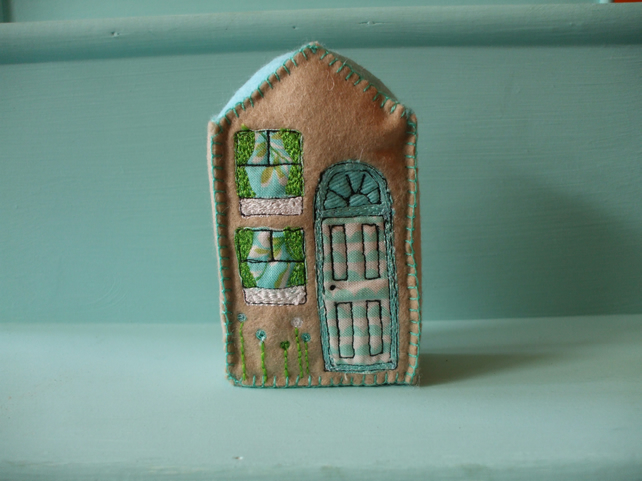 felt house decoration