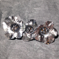 Silver 3 flower brooch
