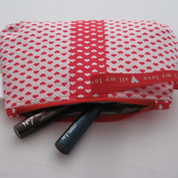 Valentine heart print cosmetic bag - red