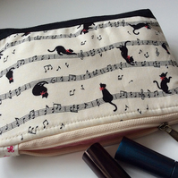 Playful kitten cosmetic bag