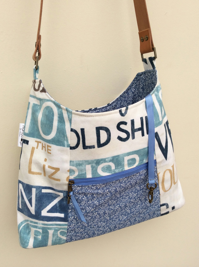 Blue beach themed shoulder bag
