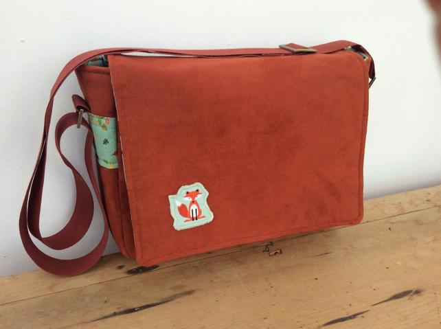 Foxy rust red messenger bag with adjustable strap