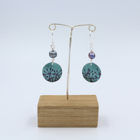 Teal Anodised aluminium cow parsley circle earrings with pearl.