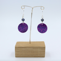 Dark pink Anodised aluminium cow parsley circle earrings with pearl.