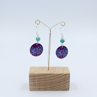Pink anodised aluminium cow parsley circle earrings with turquoise bead