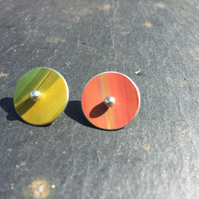 Reversible green and orange striped anodised aluminium circle studs