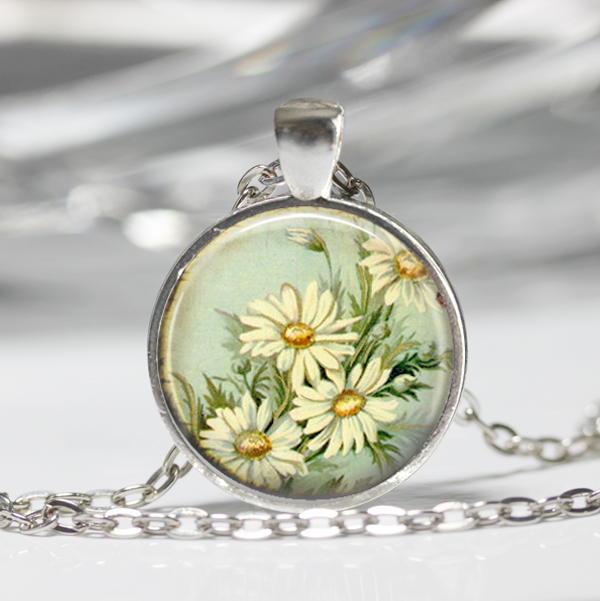 Vintage Daisy Necklace, Daisy Pendant, Flower Necklace, Flower Necklace (185)