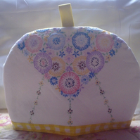 Vintage Hand Embroidered Linen Fabric Tea Cosy