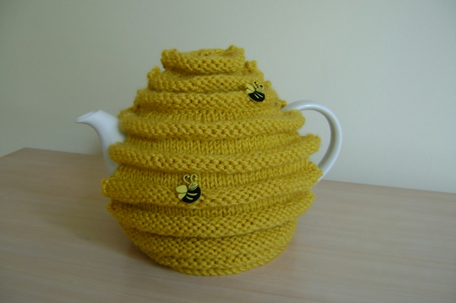 Hand knitted honey pot, bee hive, skep, tea cosy. house warming, christmas gift